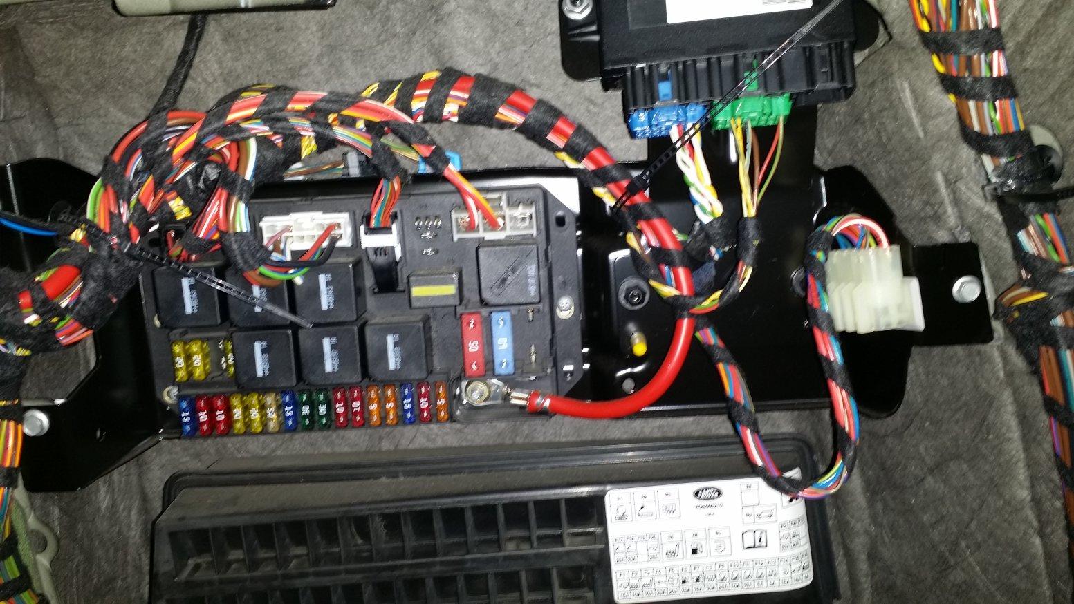 06-09 trailer wiring installation-20150512_114209.jpg