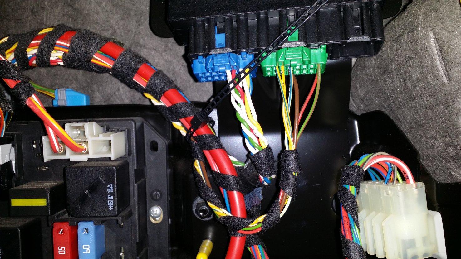 06-09 trailer wiring installation-20150512_114241.jpg