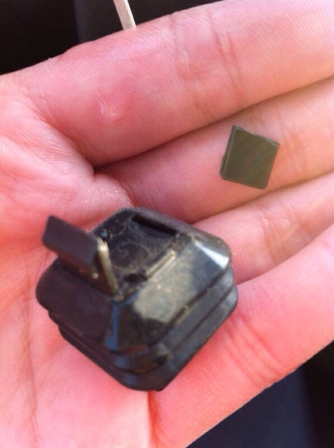 How to change the fuel cover snap on clip-imageuploadedbyag-free1393173546.217877.jpg