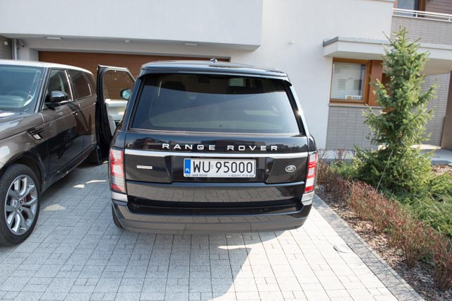 (un)Official L405 Photo Thread - Post your 2013+ RR pic's here!-range-rover-1st-day-6.jpg