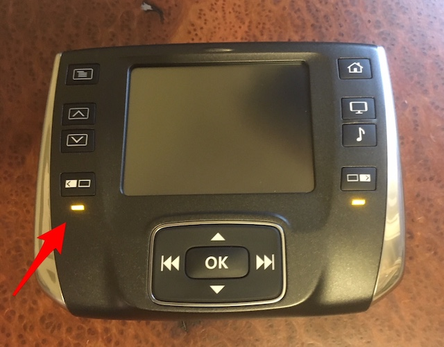 Rear Entertainment Touch Screen Remote lights blinking only-res-remote.jpg