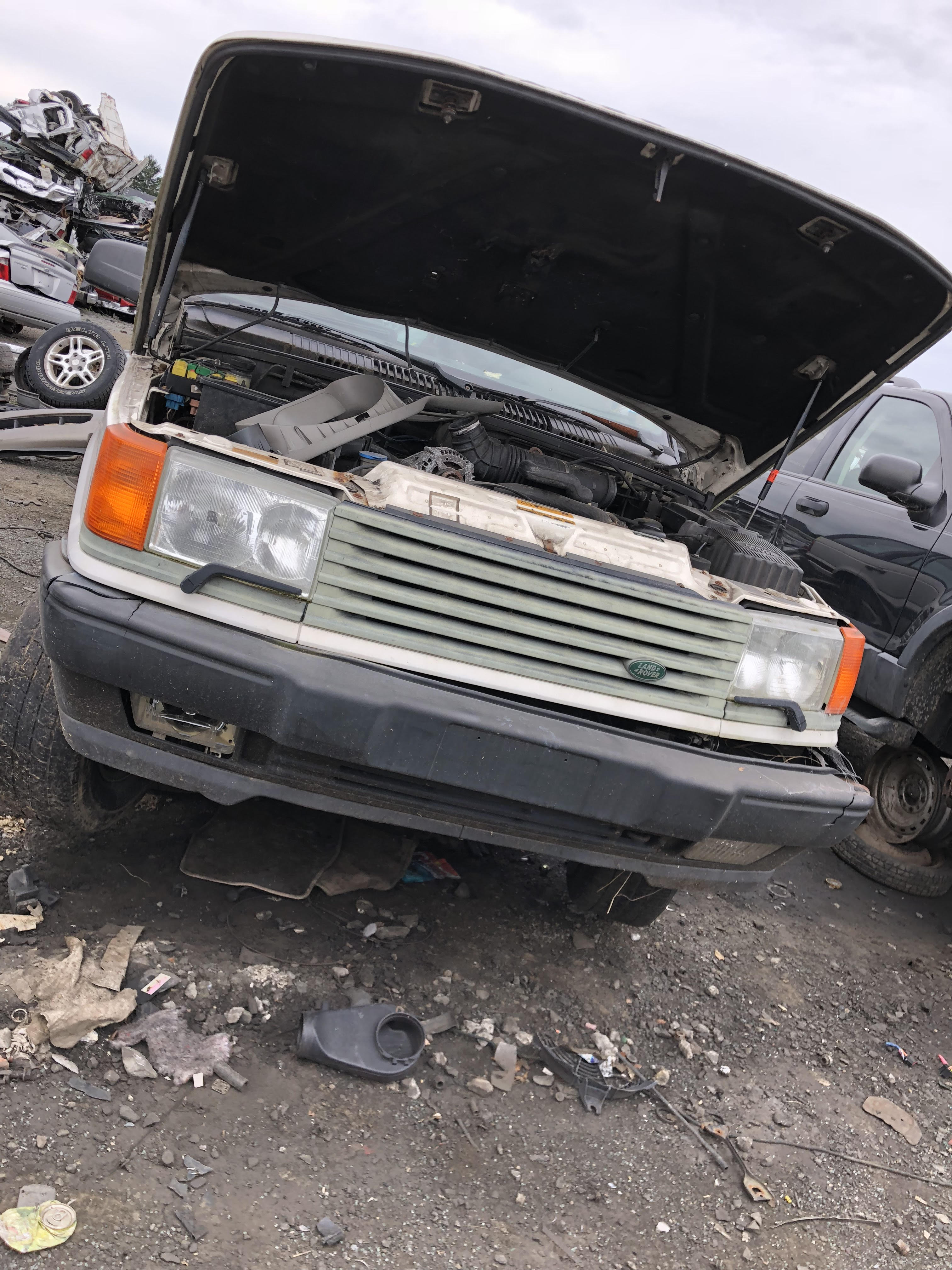266416d1536629238-poor-old-trashed-p38-junkyard-unnamed-5- Range Rover P Fuse Box Location on tire sizes, front steering system, nieuwe motor, spares south africa, engine problems, mondial wheels, green rear, bleeding procedure, starfish wheels, expedition build,